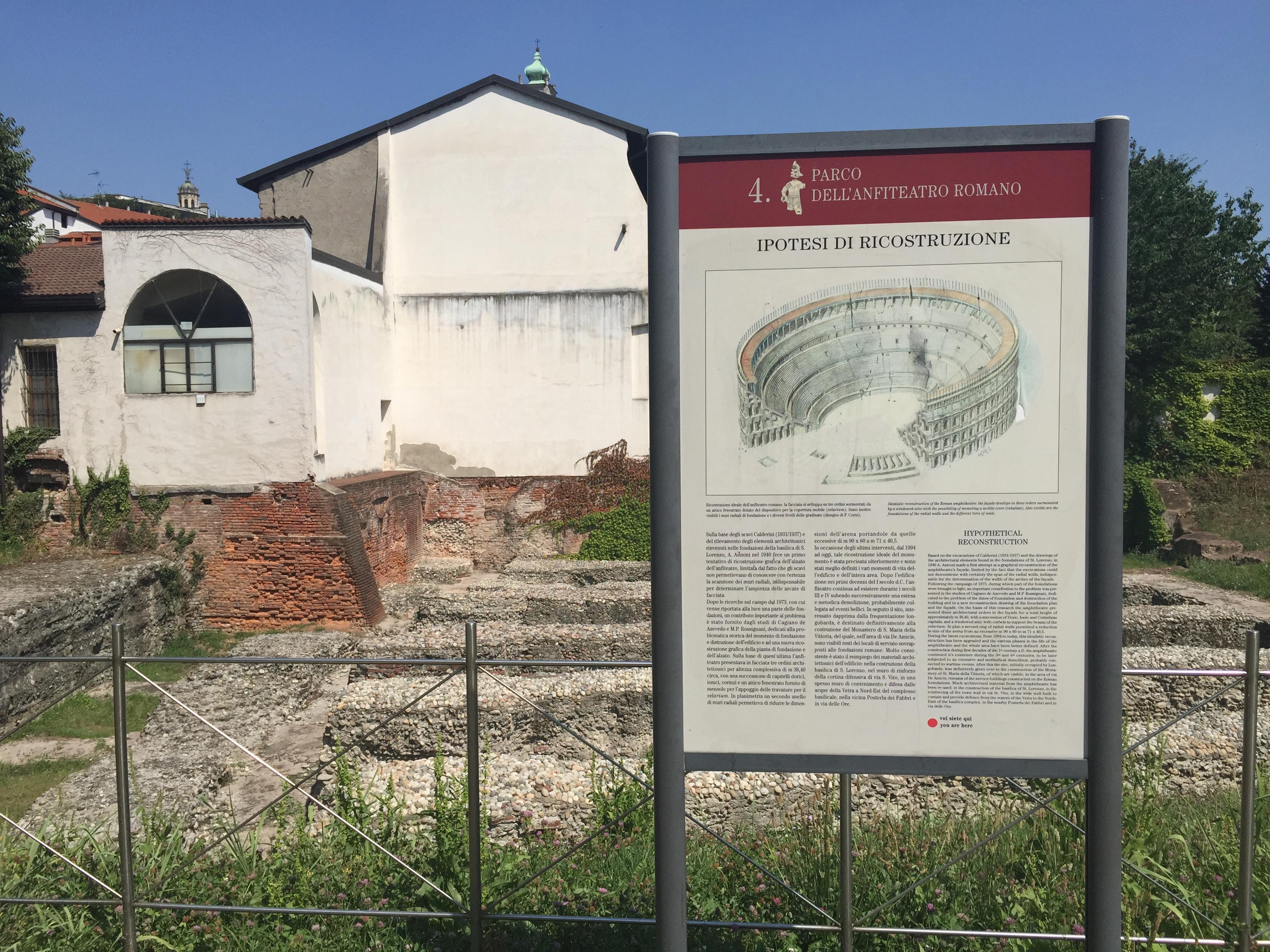 Amphitheatre park w sign