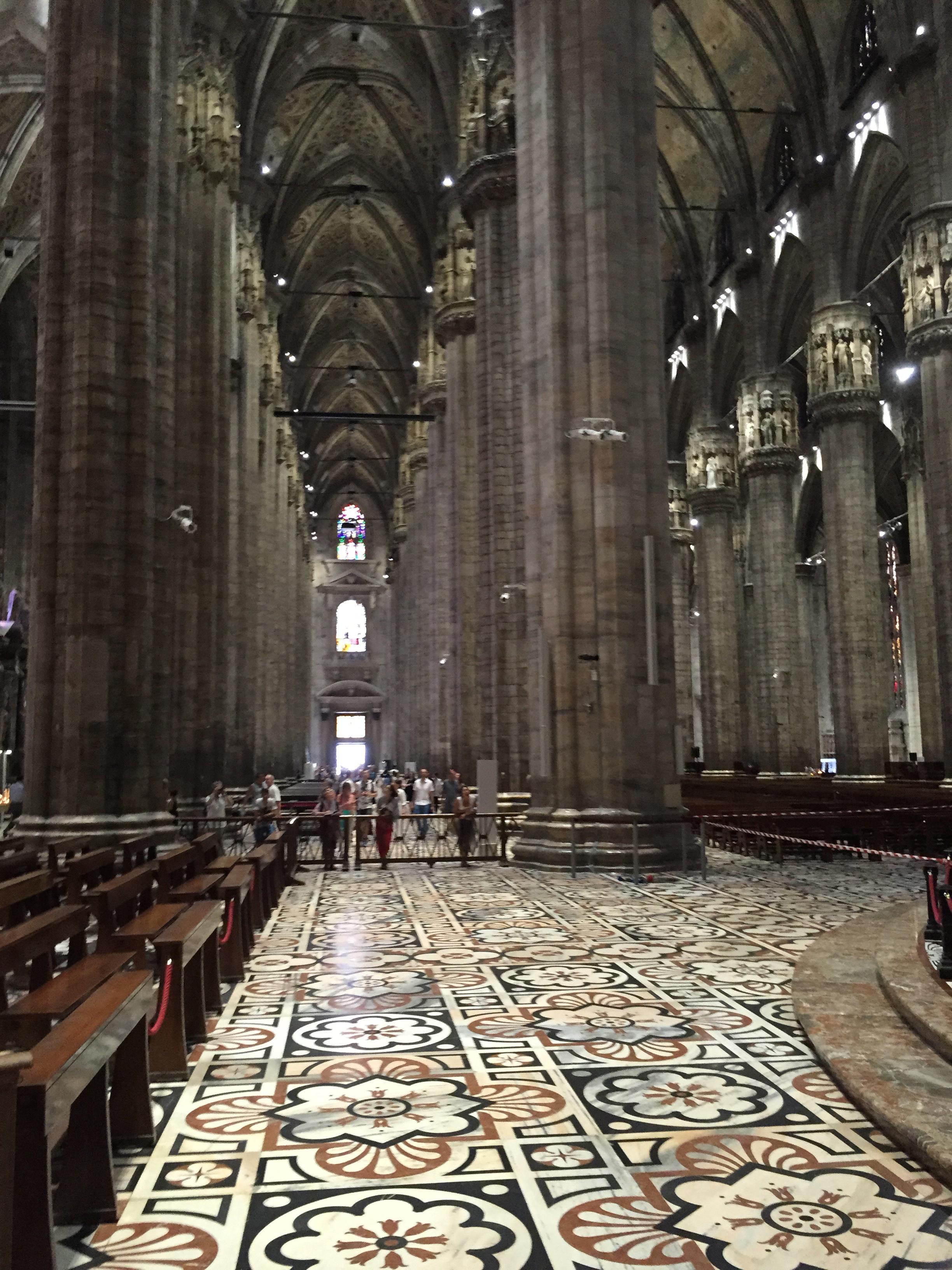 Duomo aisles lkg back