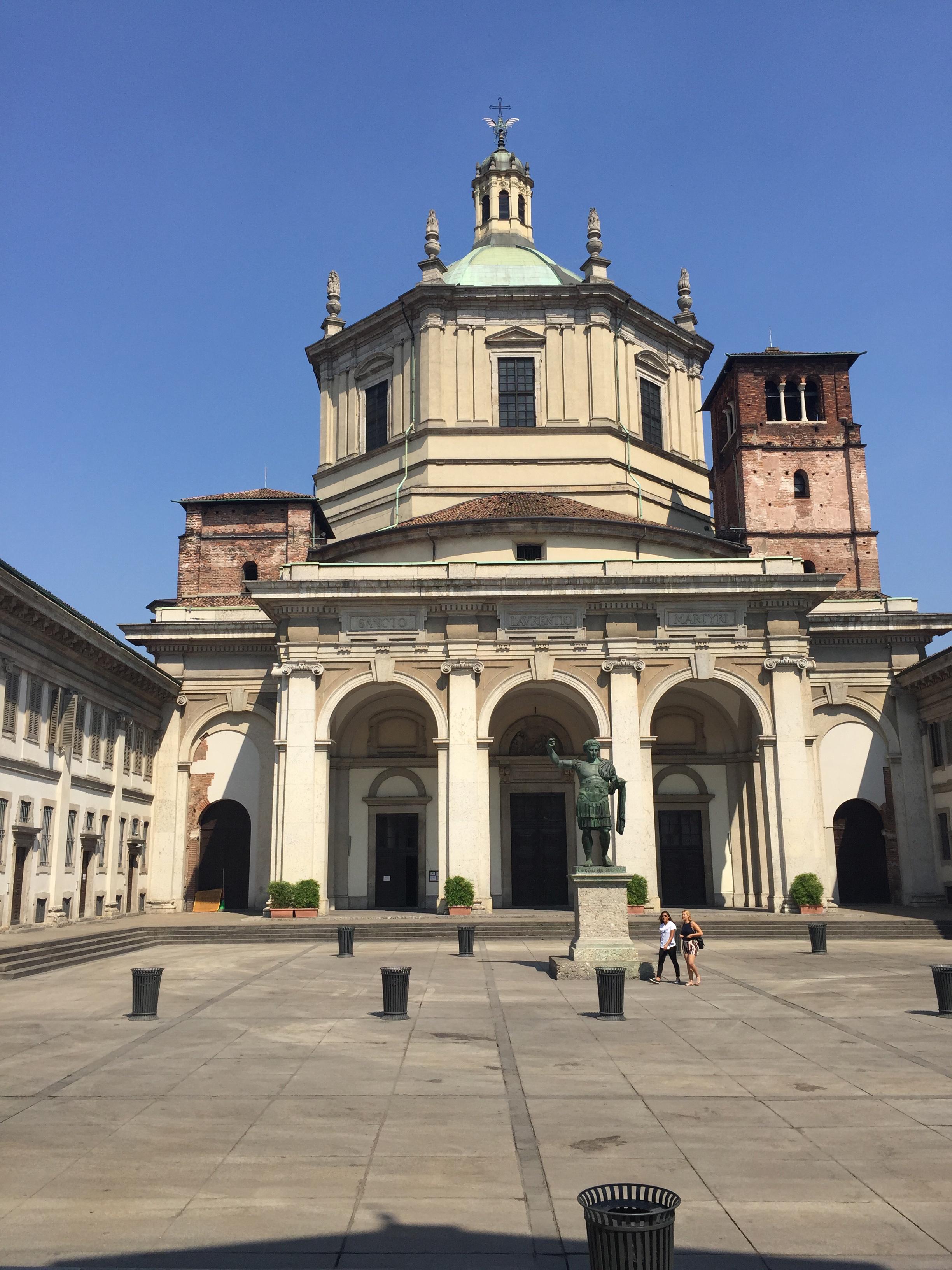 S. Lorenzo Maggiore facade