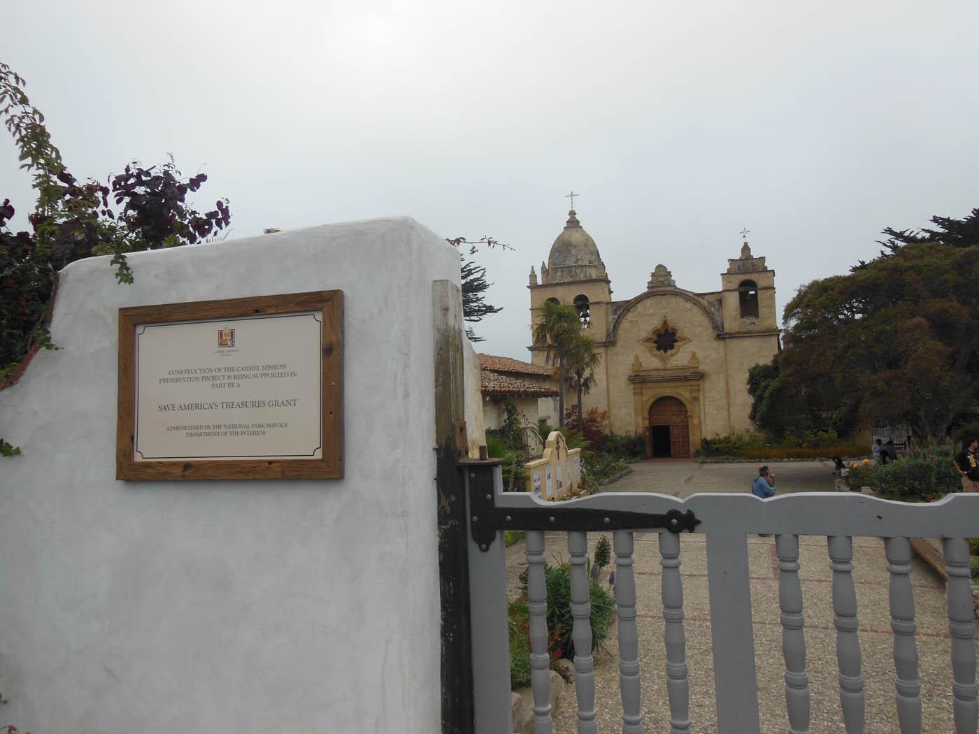 Carmel mission w plaqS