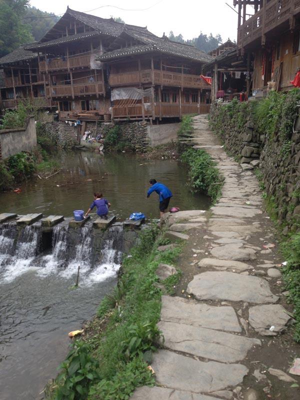 DD washing river2