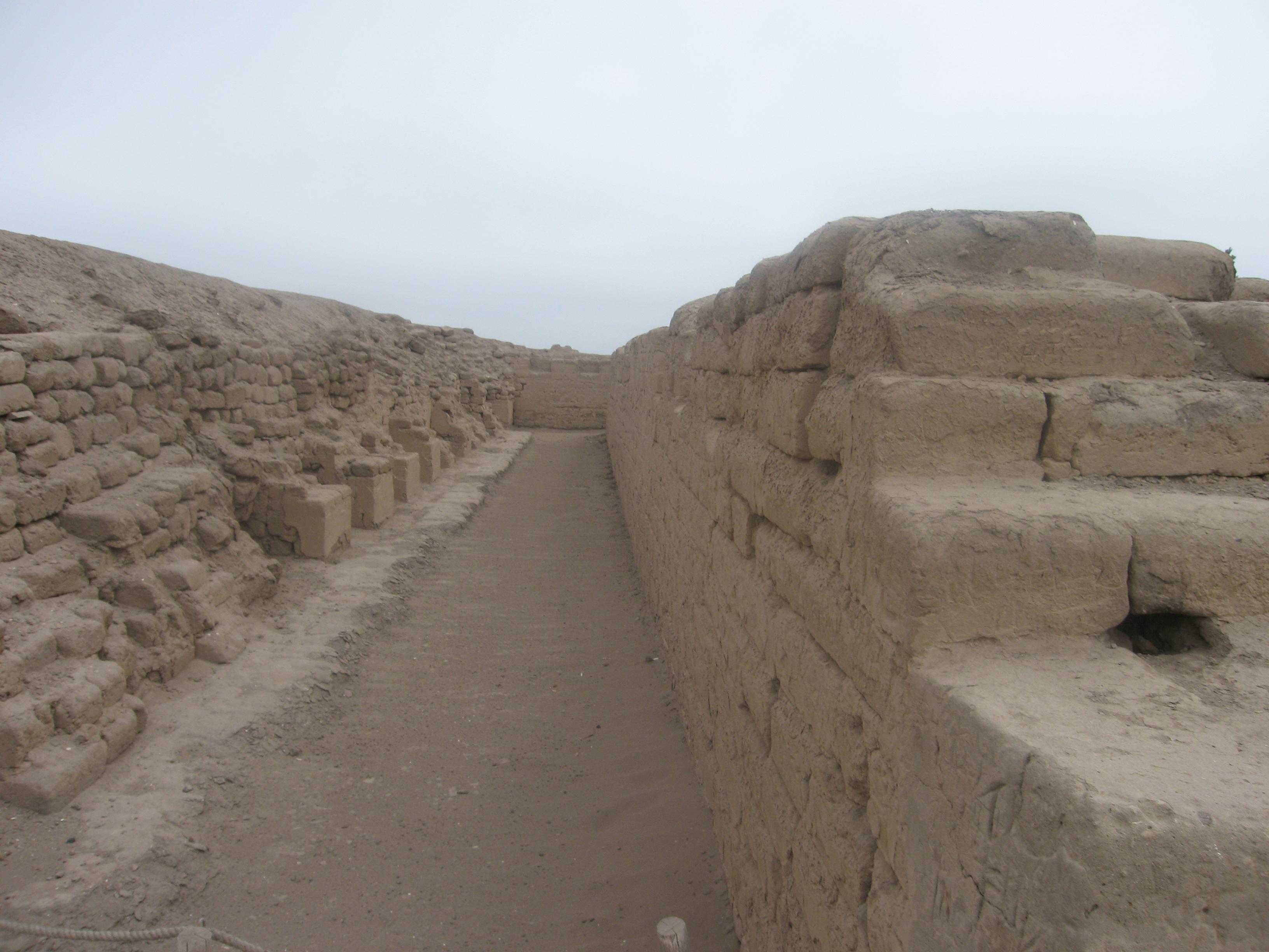 templo sol corridor