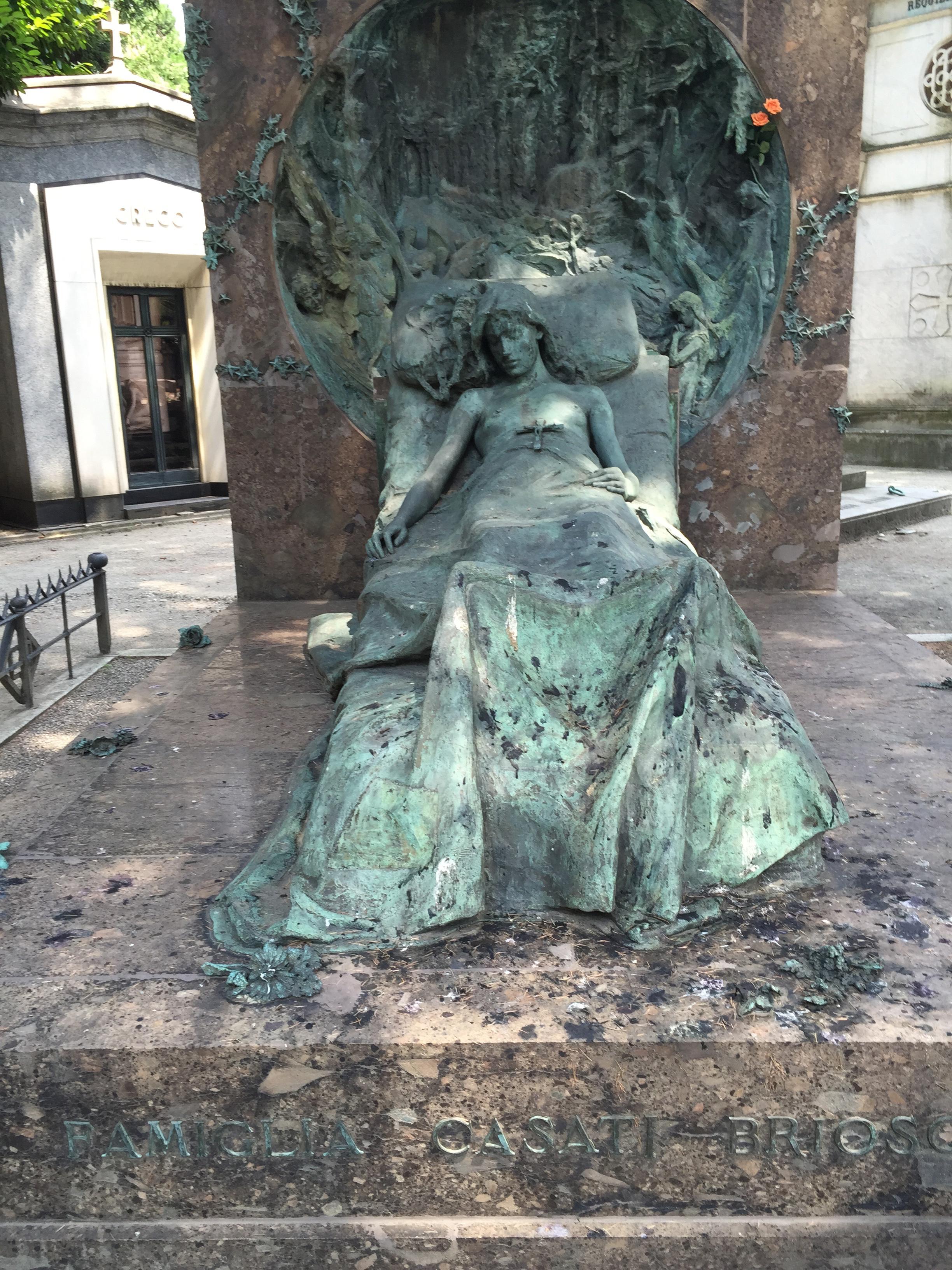 Cemetery Casati-Briggs sleeper