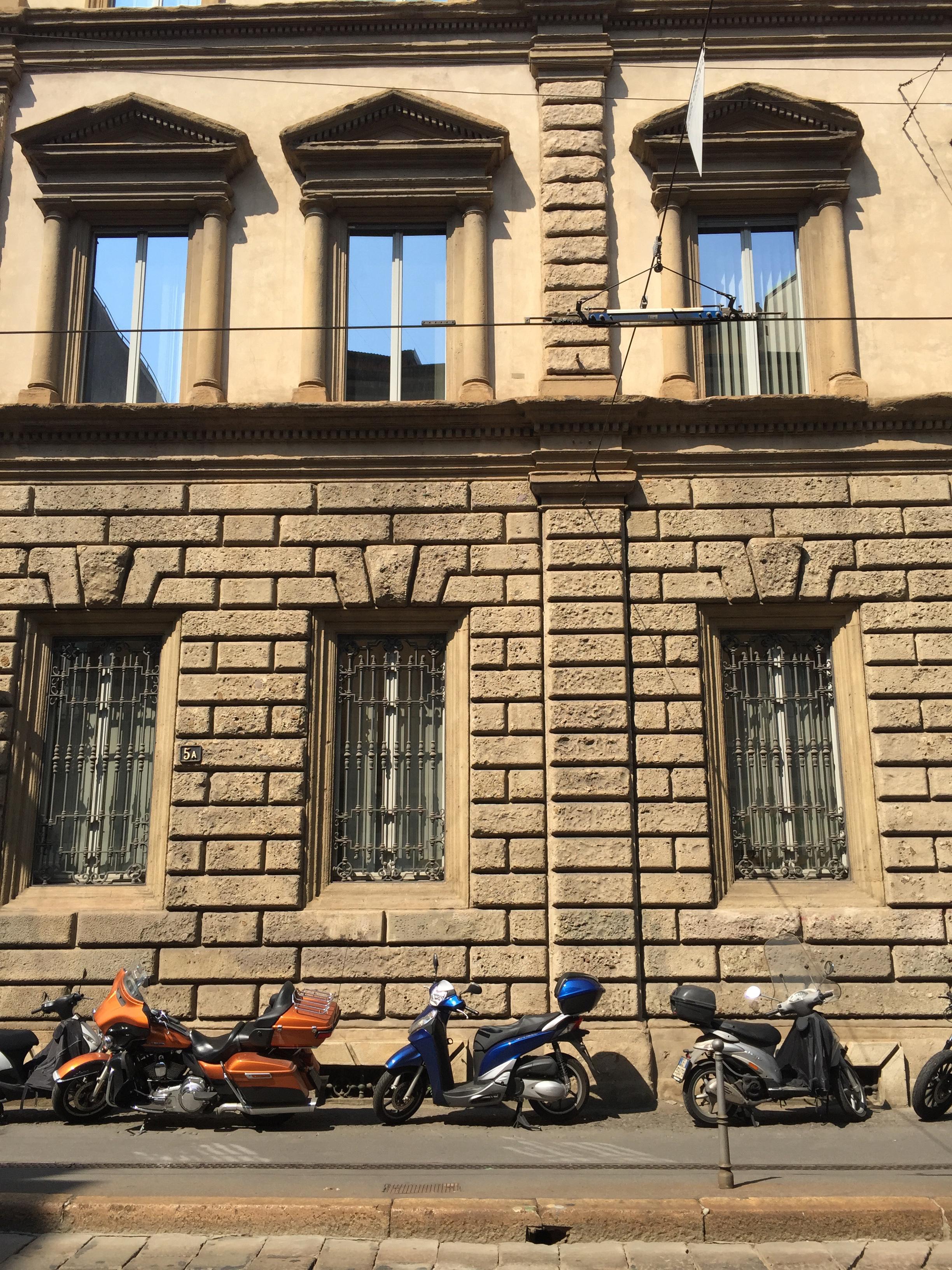 motorbuke facade