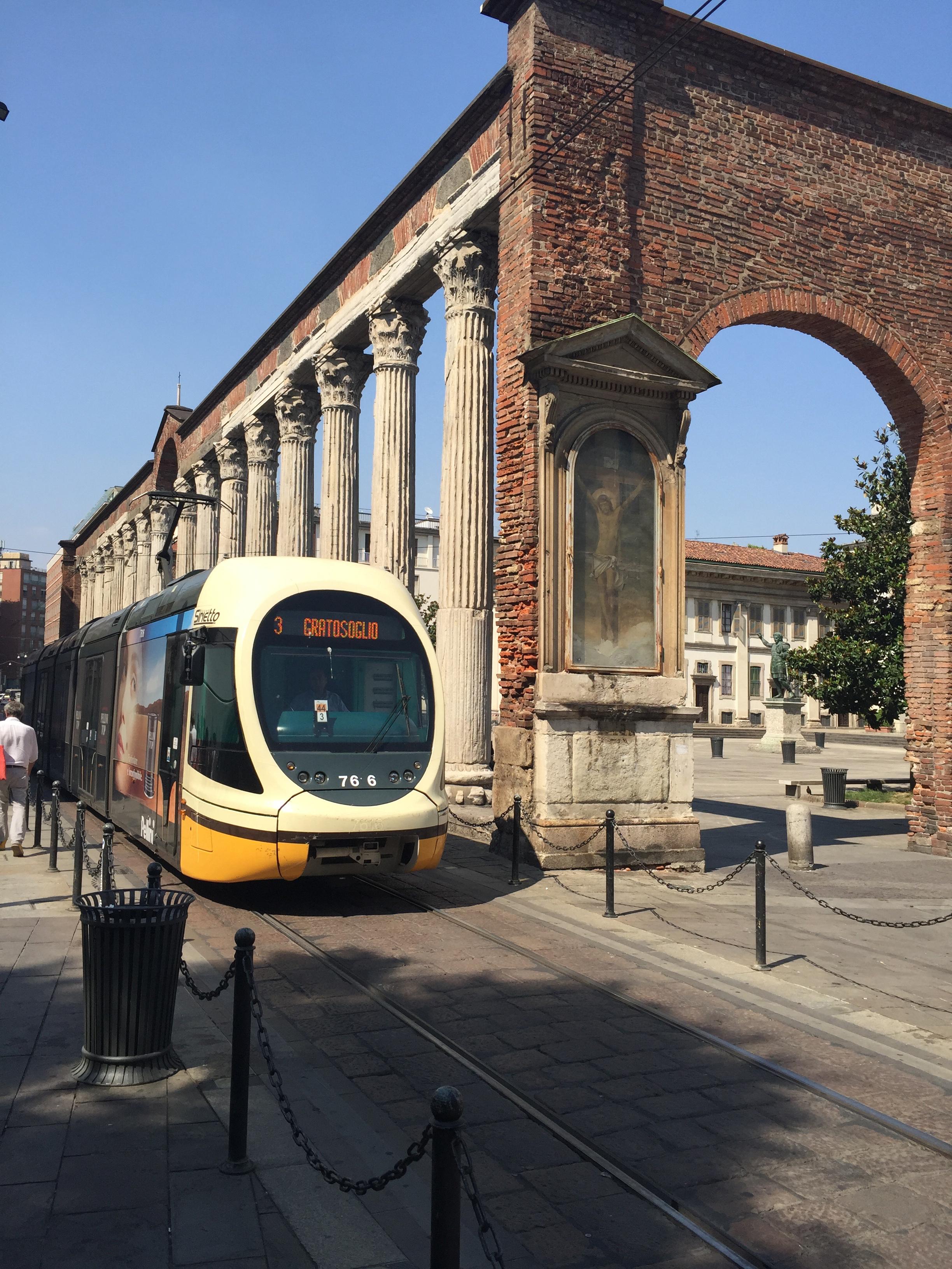 S. Lorenzo Maggiore arcade tram